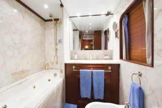 Mizar-626-053-bathroom