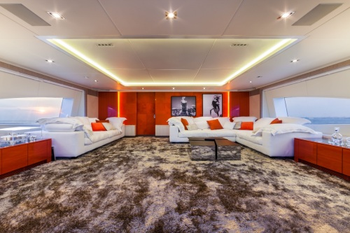 BENETTI PANTHERA-Upper saloon